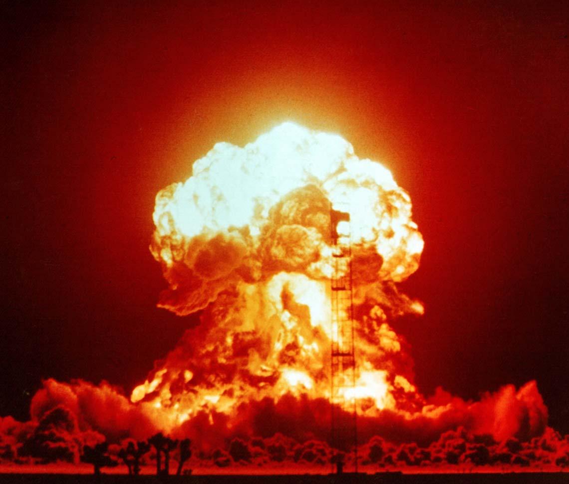 main server crash explosion